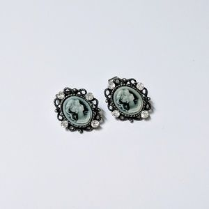 Forever 21 Antique Cameo Earrings